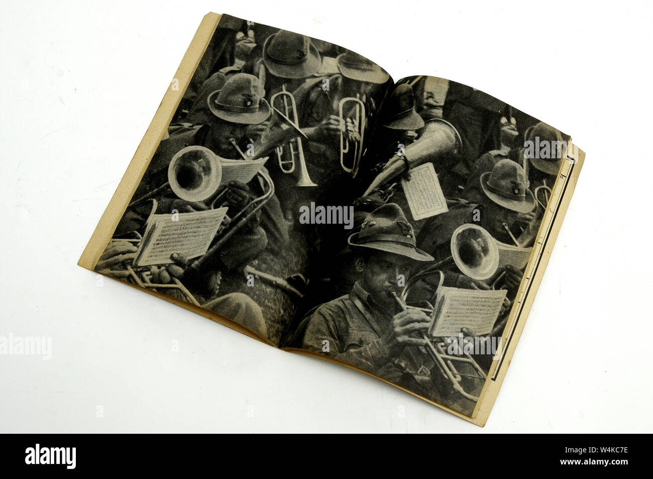old fascist songs soldiers book Stock Photo: 261040850 - Alamy