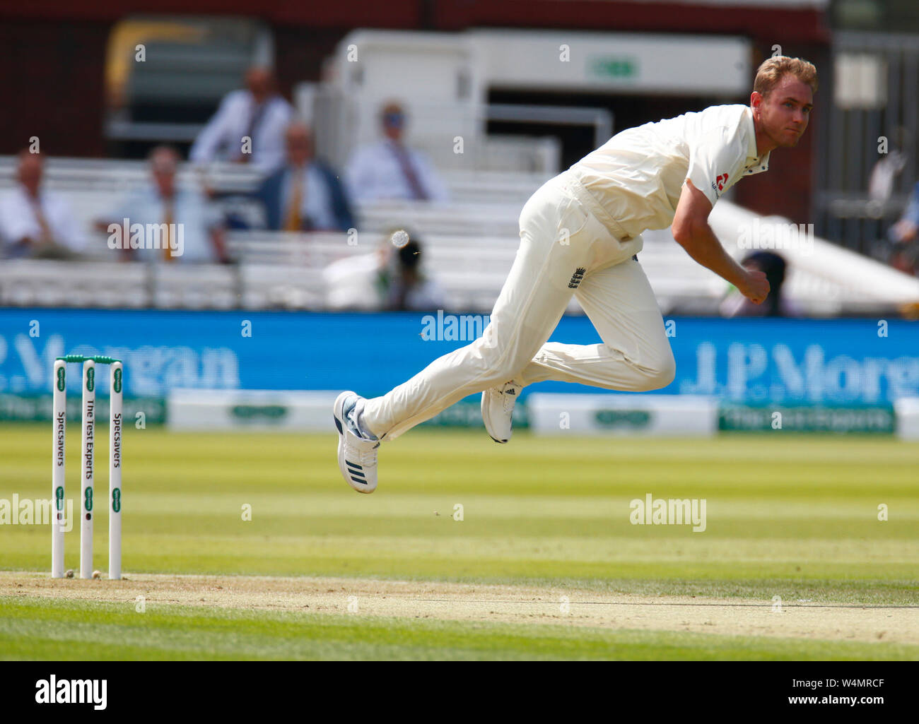 London, UK. 24th July, 2019. LONDON, ENGLAND. JULY 24: Stuart Broad of England during International Test Match Series Day One between England and Ireland at the Lord's Cricket Ground on July 24, 2019 in London, England. Credit: Action Foto Sport/Alamy Live News Stock Photo