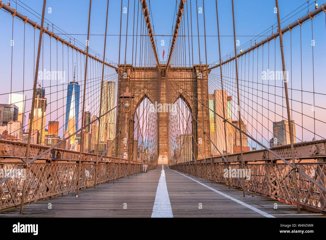 Brooklyn Bridge Promenade with the New York City skyline. Stock Photo