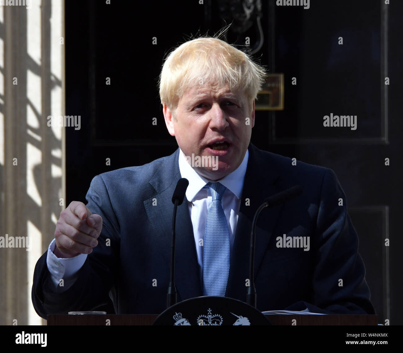 London, UK. 24th July 2019. Boris Johnson arrives at No10 Downing Street on first day as Prime Minster, London  London, UK - 24 July 2019 Credit: Nils Jorgensen/Alamy Live News Stock Photo
