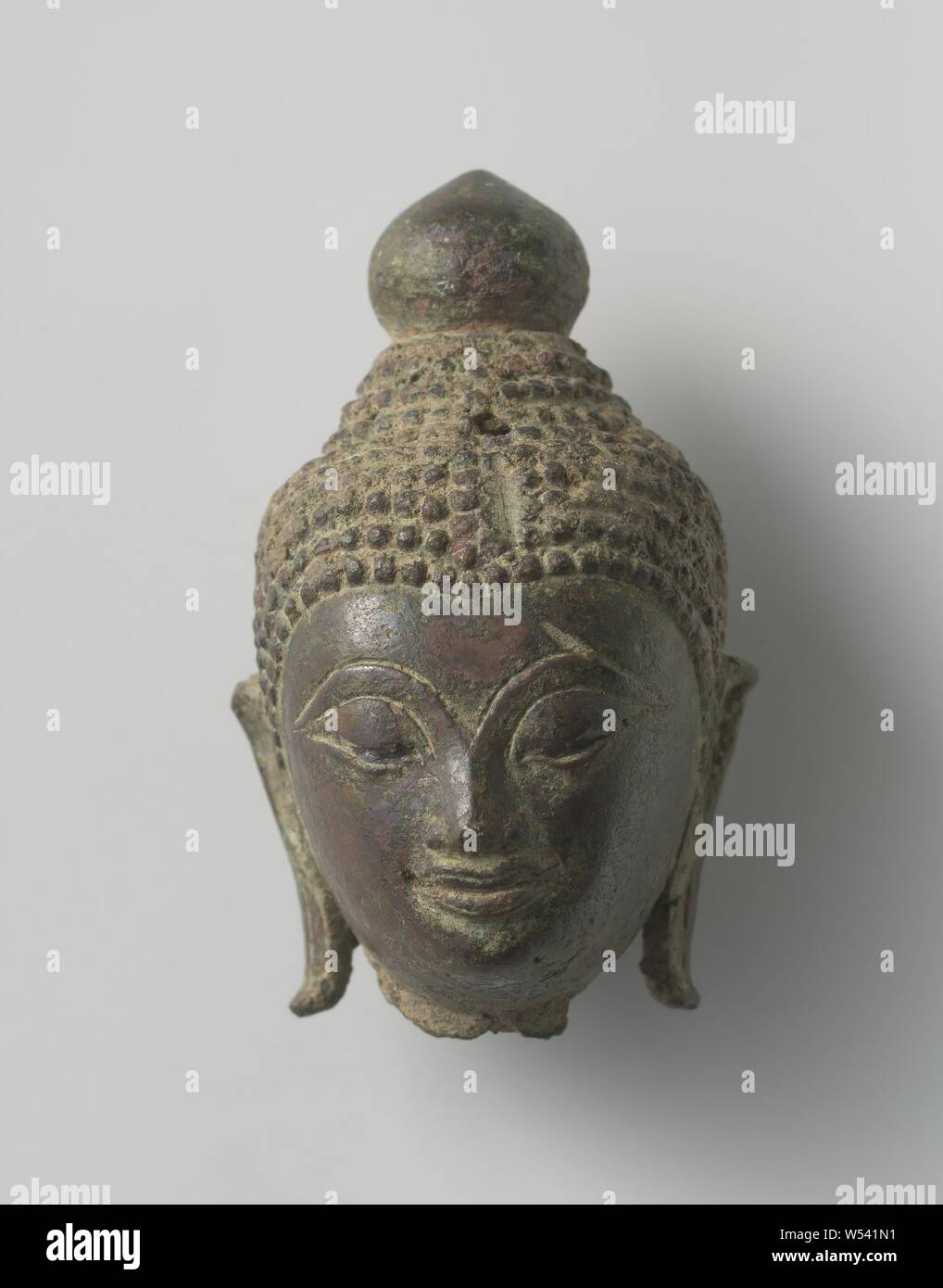 Fragment Of A Buddha Statue Buddha Head With Curls And An Elevation In The Shape Of The Jewel Anonymous Thailand 1500 1700 Bronze Metal H 5 8 Cm W 3 4 Cm D 3 5 Cm Stock Photo Alamy