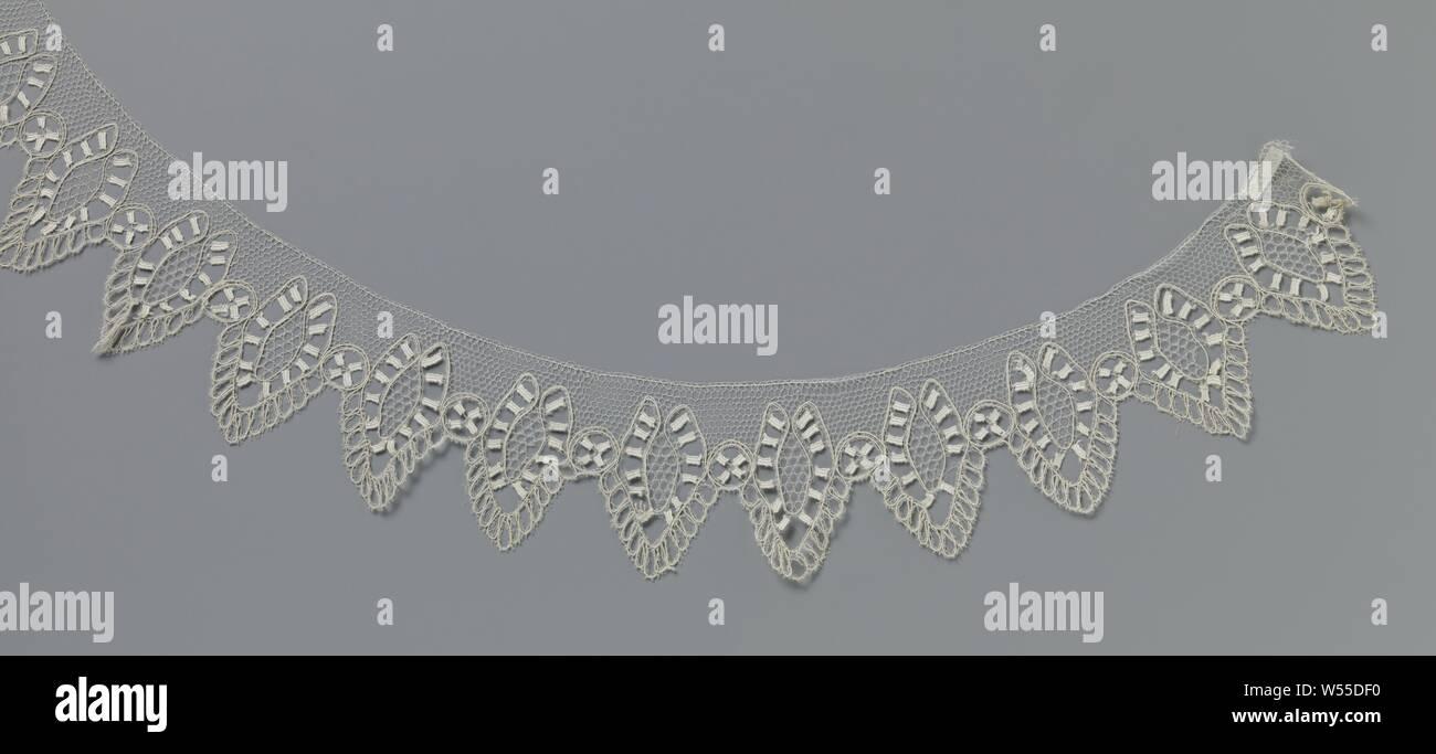 lace motif is for sale 9cm x 6cm Small double layers Red floral lace Applique