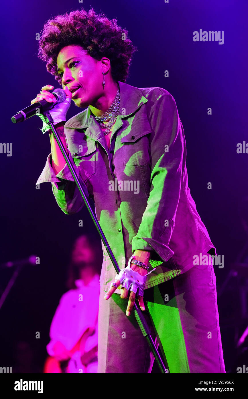 Macy Gray performs on stage in the Saim Tent WOMAD Festival (World of Music Arts and Dance) on Friday 26 July 2019 at Charlton Park, Malmesbury. Macy Gray is an American R&B and soul singer-songwriter, musician, record producer and actress. Picture by Julie Edwards. Stock Photo