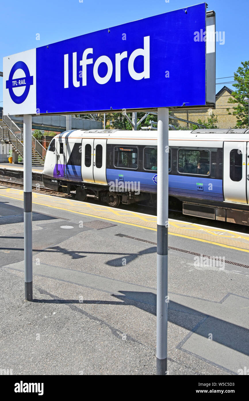 Crossrail Train Stock Photos & Crossrail Train Stock Images - Alamy