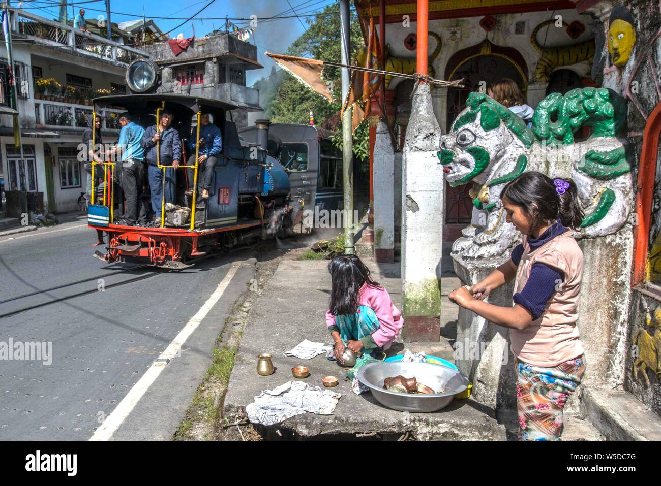 INDIA, DARJEELING. Historic narrow gauge toy train on its way from Darjeeling to Ghoom Stock Photo