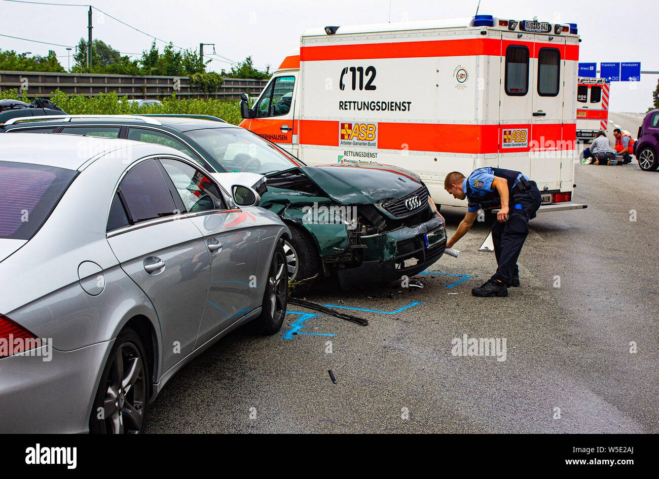 Accident Witnesses Stock Photos & Accident Witnesses Stock Images