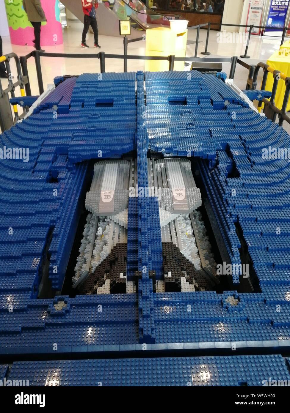 Bugatti Chiron Stock Photos & Bugatti Chiron Stock Images - Page 3
