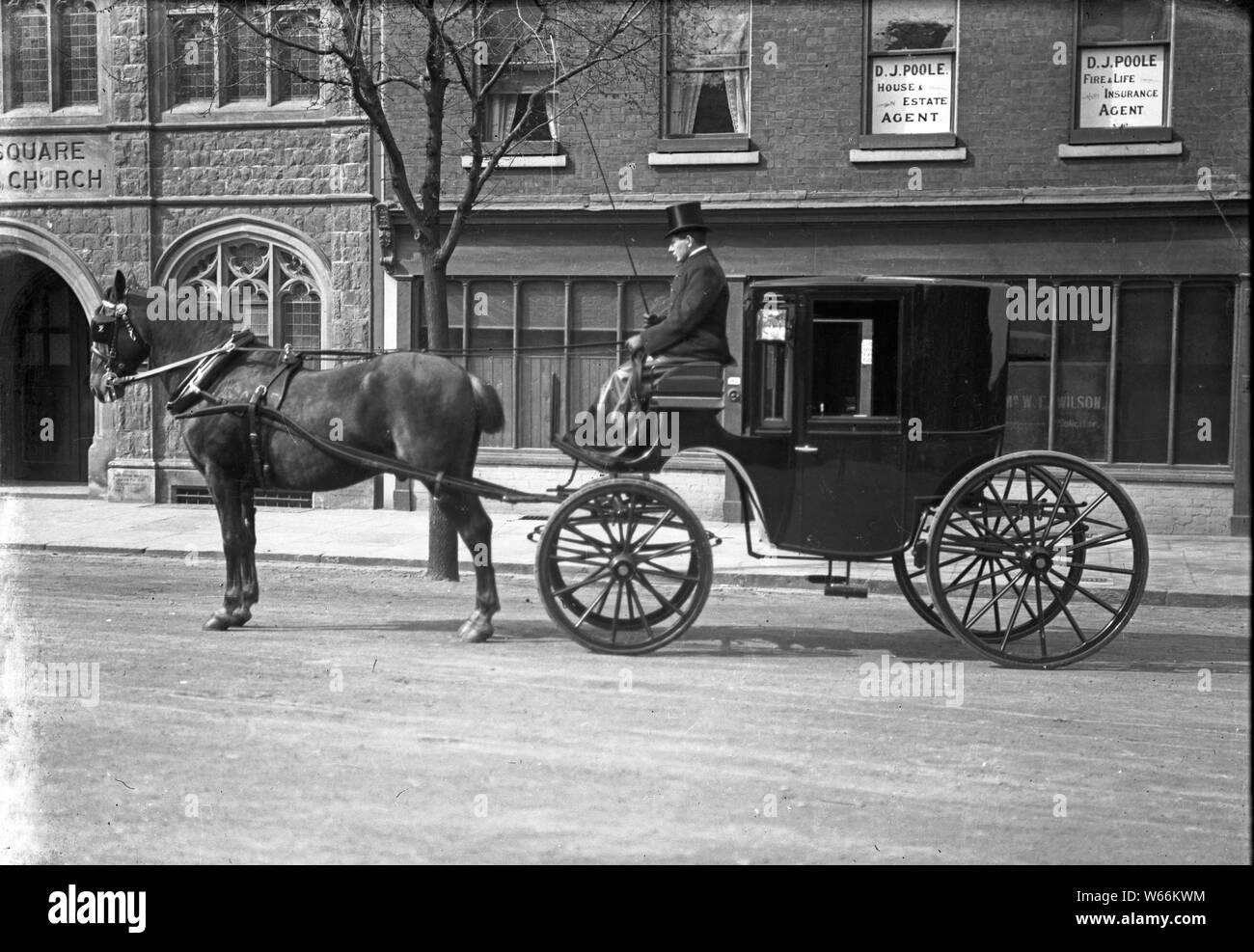 UK - GB Pferdewagen mit Kutscher / United Kingdom - Great Britain Horse Carriage with Coachman Stock Photo
