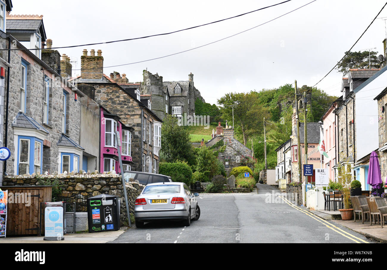 A general view of the seaside village of Newport in Pembrokeshire, Wales, popular with tourist to the Pembrokeshire area. Stock Photo