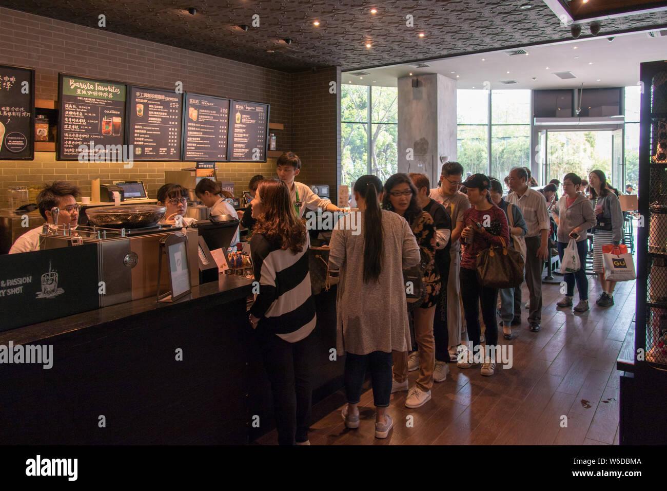 Free Coffee Starbucks Stock Photos & Free Coffee Starbucks