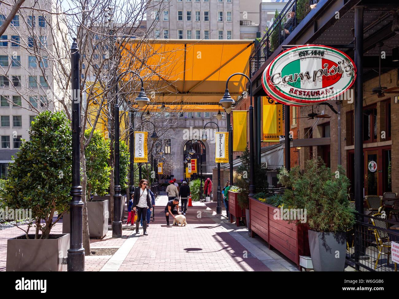 Restaurants In Downtown Dallas Stock Photos Restaurants In