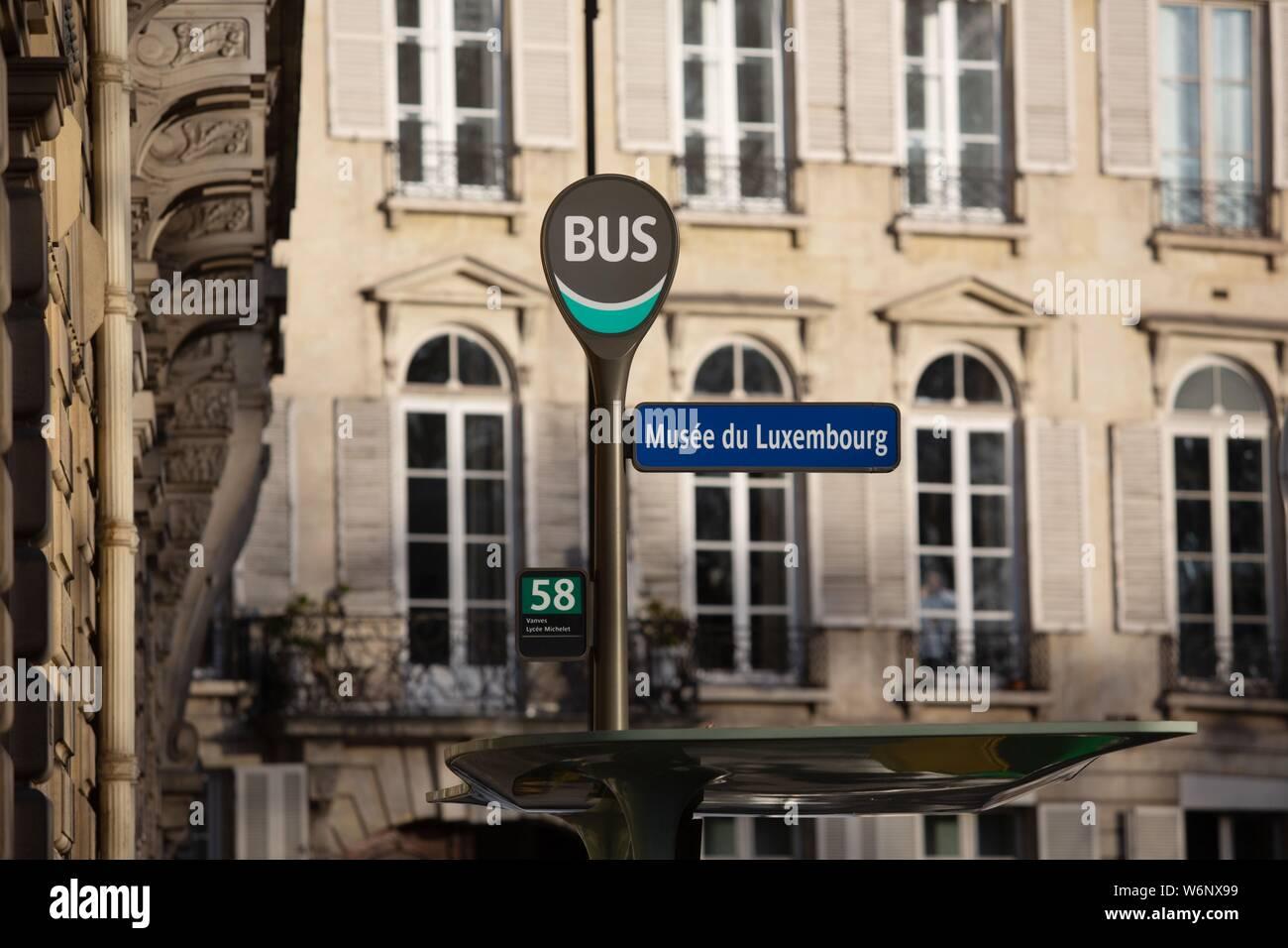 Paris 6th arrondissement, Rue Guynemer, bus station Stock Photo