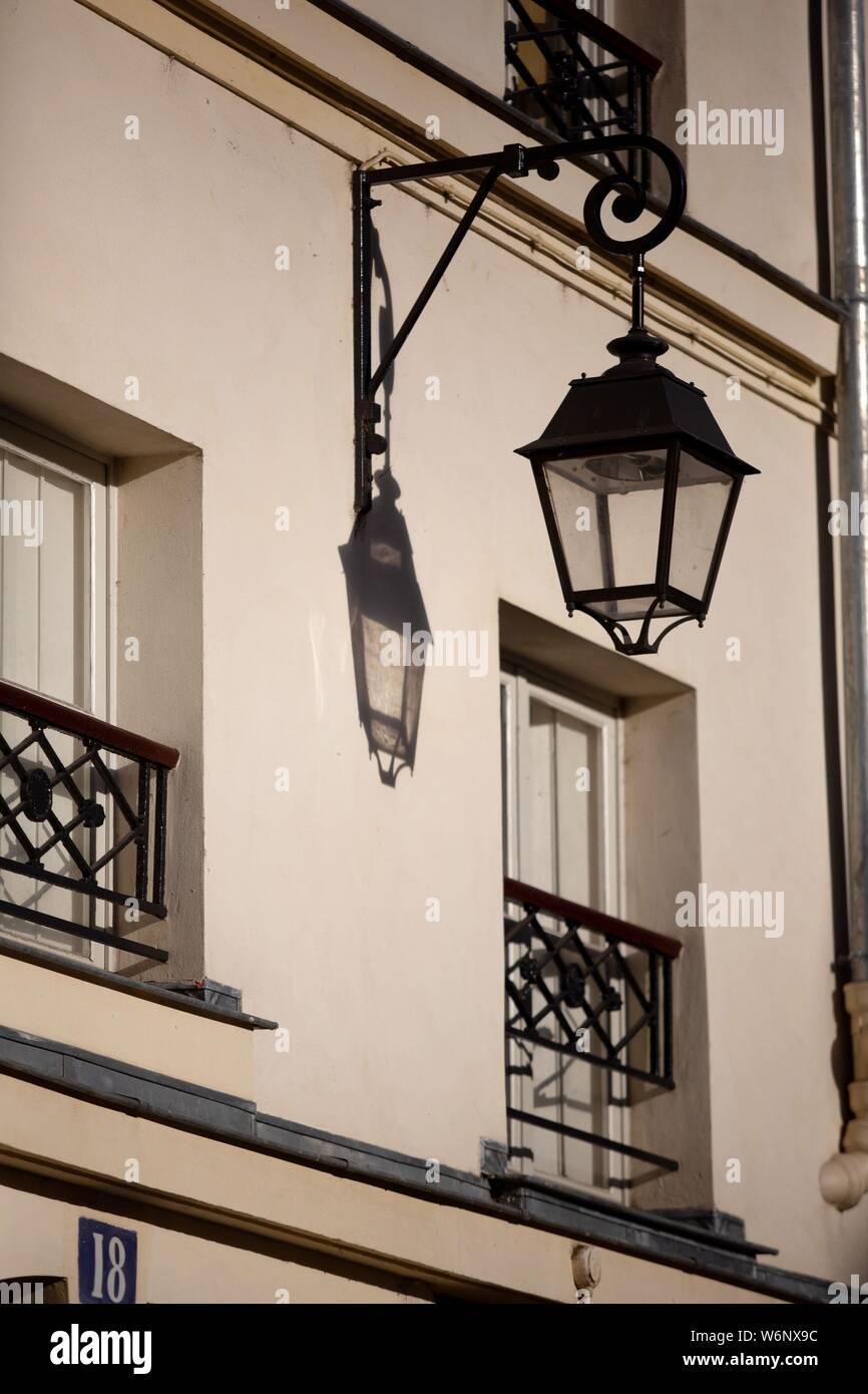 Paris 6th arrondissement, Rue Dauphine, street lamp Stock Photo