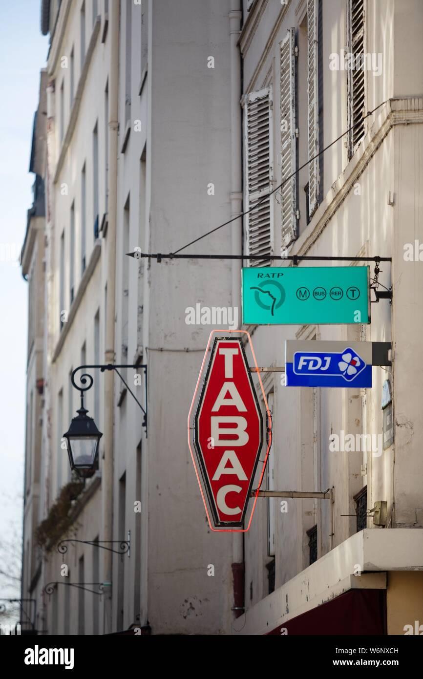 Paris 6th arrondissement, Rue Dauphine, symbol of a carotte for a tobacco shop Stock Photo