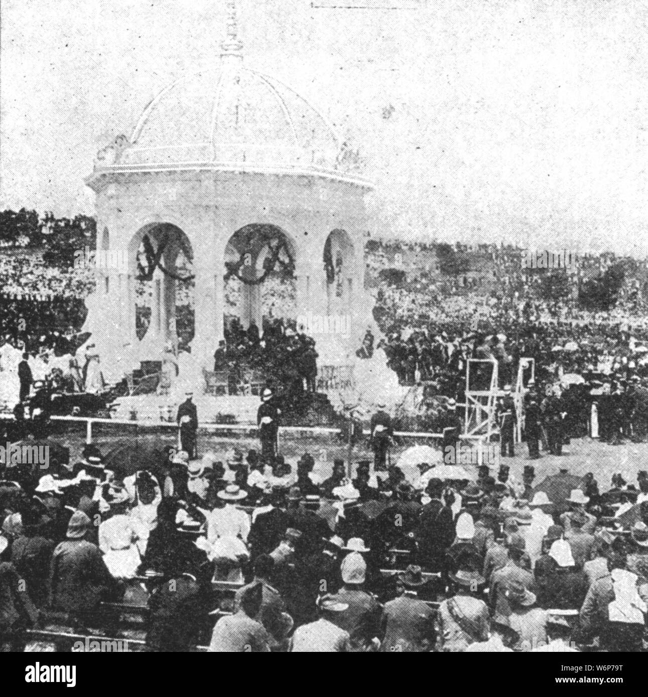 """'The Federation of Australia, 1901: The Ceremony of Signing the Oath by Lord Hopetoun at Sydney on New Year's Day', 1901. John Hope, 7th Earl of Hopetoun (1860-1908), the first Governor-General of Australia, officiates at the Inauguration of the Commonwealth of Australia at Centennial Park, Sydney. (The Federation of Australia was the process by which the six separate British self-governing colonies of Queensland, New South Wales, Victoria, Tasmania, South Australia, and Western Australia, agreed to unite and form the Commonwealth of Australia). From """"The Illustrated London News Record of Stock Photo"""