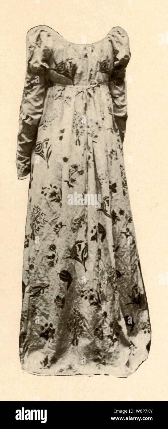 Tudor Gown Stock Photos & Tudor Gown Stock Images - Alamy