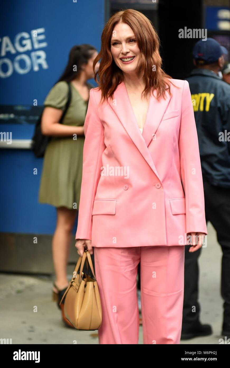 New York Ny Usa 1st Aug 2019 Julianne Moore Out And