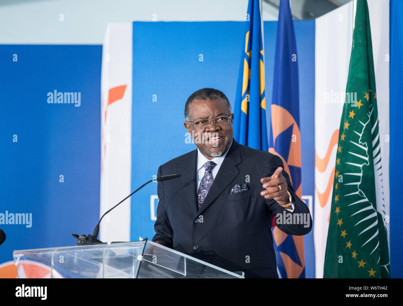 (190802) -- WALVIS BAY (NAMIBIA), Aug. 2, 2019 (Xinhua) -- Namibia's President Hage Geingob delivers a speech at the inauguration ceremony of the new container terminal in Walvis Bay, Namibia, Aug. 2, 2019. Namibia's quest to become an international trade hub and gateway advanced further Friday with the official inauguration of the country's 400-million-U.S.-dollar new container terminal in Walvis Bay by the county's President Hage Geingob. The new container terminal located in the port town of Walvis Bay was constructed on 40 hectares of land reclaimed from the sea by China Harbor Engineering Stock Photo