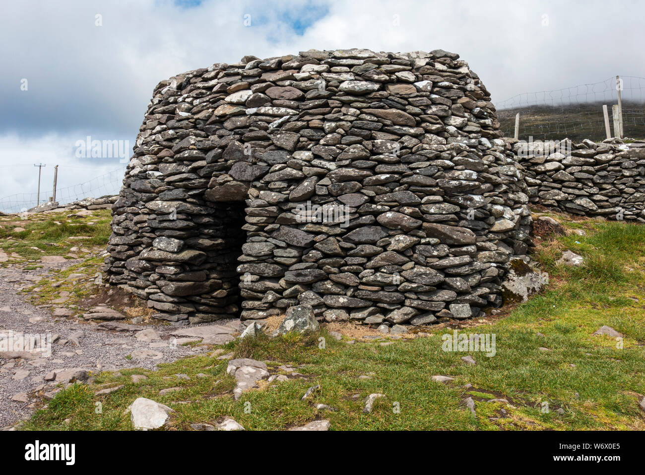 Caher Conor Beehive Huts at Fahan on the Dingle Peninsula, County Kerry, Republic of Ireland Stock Photo
