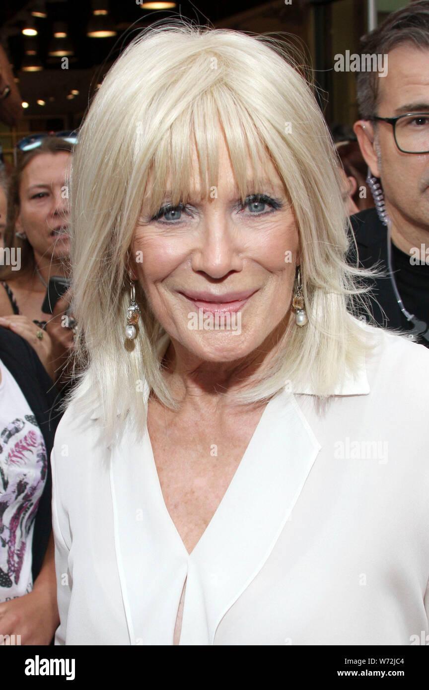 Linda evans 2019