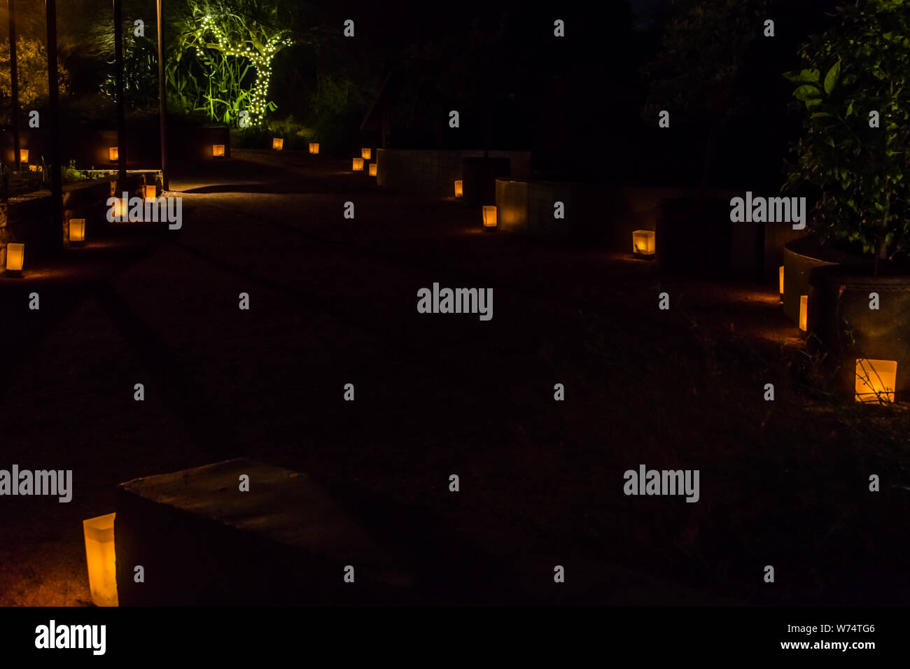 Las Noches De Las Luminarias High Resolution Stock Photography And Images Alamy