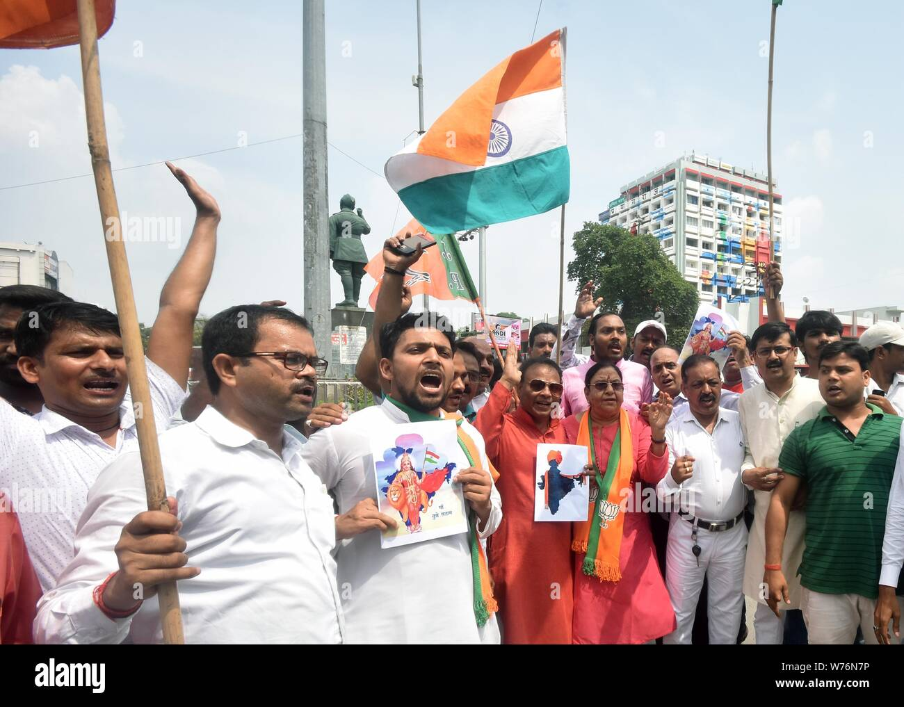 August 5, 2019: BJP supporters celebrate after Union Home Minister Amit Shah introduced the proposal to remove Article 370 in the state of Jammu and Kashmir, in Prayagraj, Monday, Aug 5, 2019. Credit: Prabhat Kumar Verma/ZUMA Wire/Alamy Live News Stock Photo