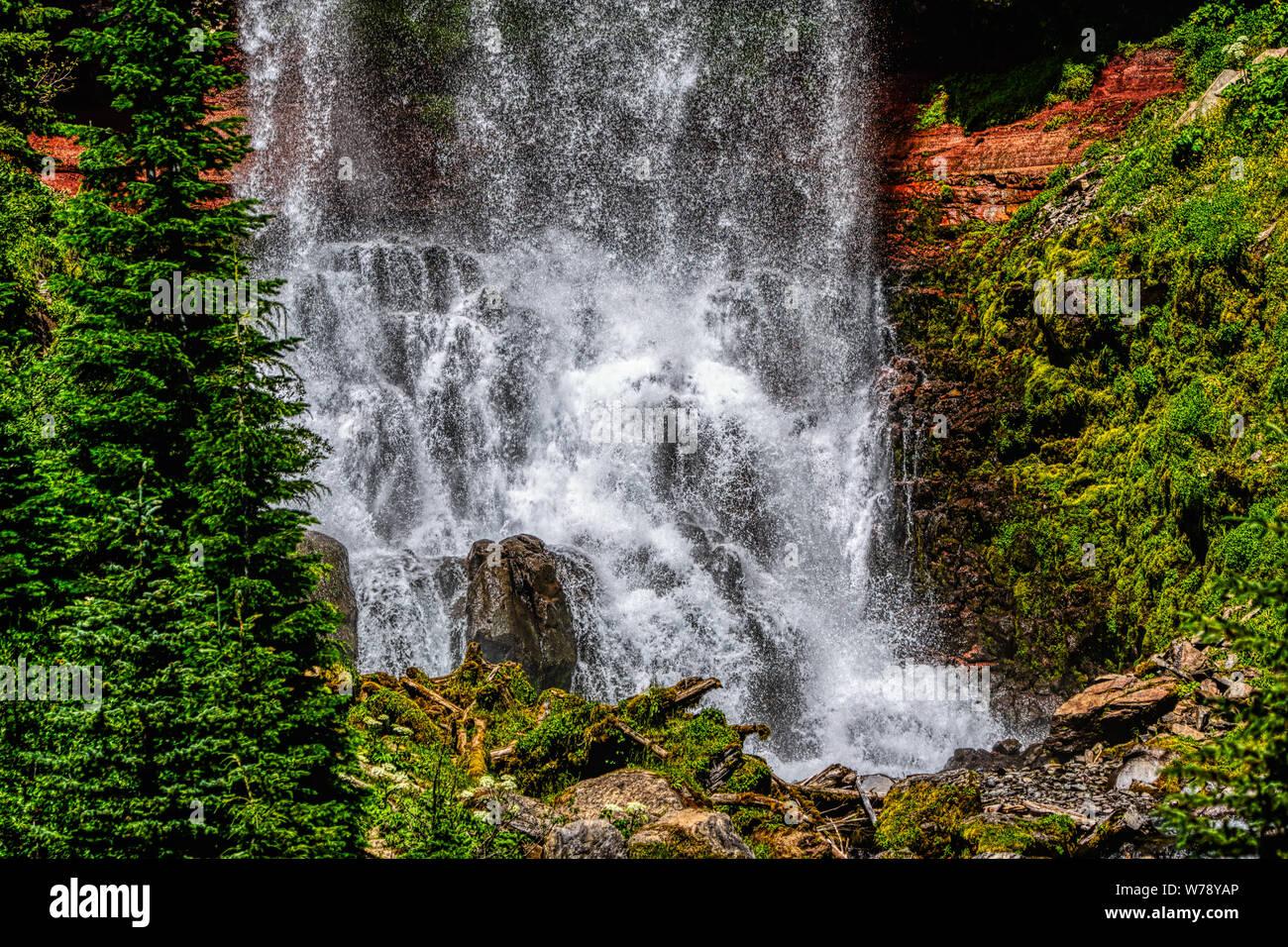 The Beautiful Tumalo Waterfall In High Definition Resolution Stock Photo Alamy