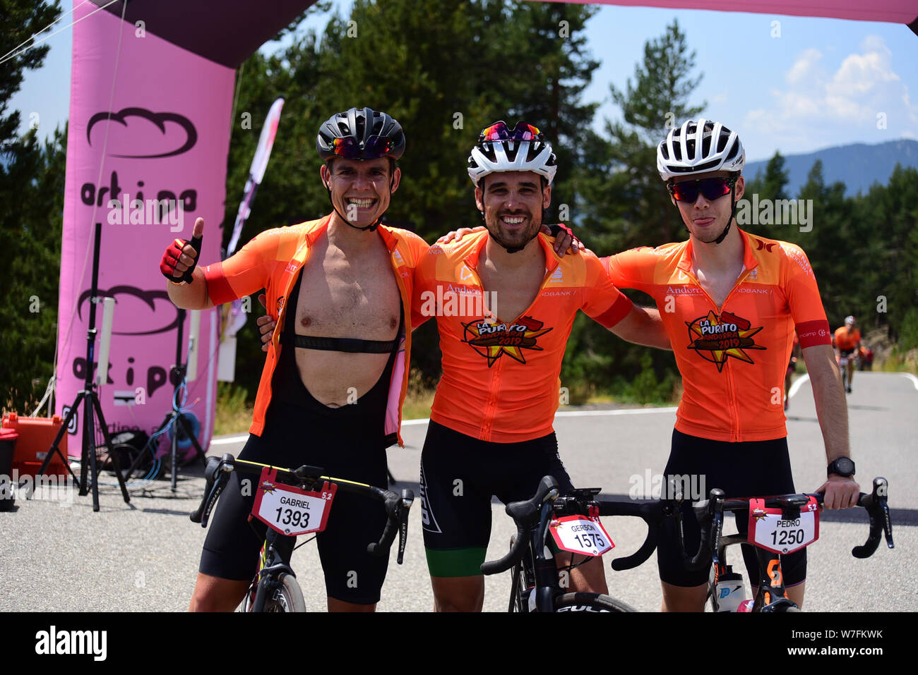 Coll de l Gallina, Sant Julia de Loria, Andorra : Agust 4 2019 : Cyclists in La Purito 2019 in Andorra. Amateur race in Andorra. Stock Photo