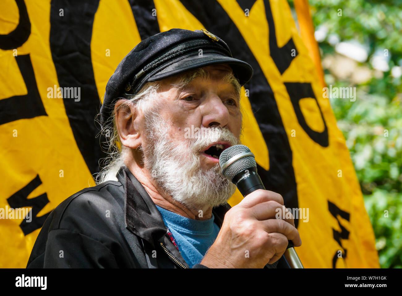 London, UK  6th August 2019  Folk singer and D-Day veteran