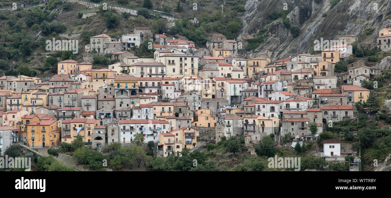 Castelmezzano village on hillside, Dolomiti Lucane mountian range, Basilicata, Italy, October 2013. Stock Photo