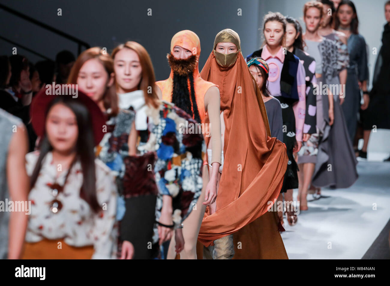 Models Display New Creations At The Fashion Show Of Raffles Design Institute During The Shanghai Fashion Week Spring Summer 2017 In Shanghai China 1 Stock Photo Alamy