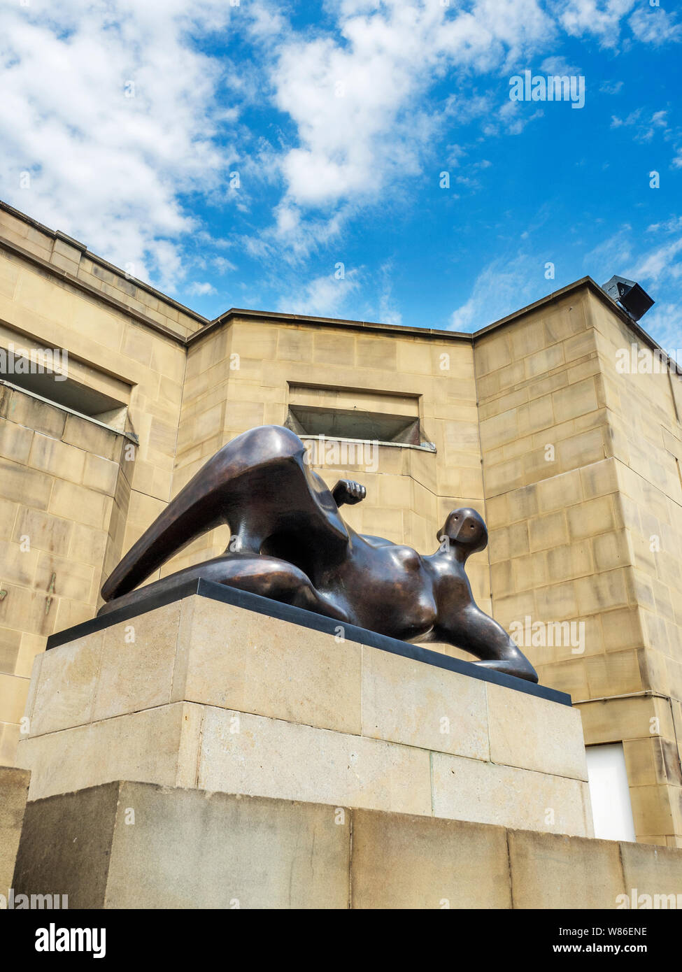 Henry Moore Reclining Woman Elbow sculpture outside Leeds Art Gallery on The Headrow in Leeds West Yorkshire England Stock Photo
