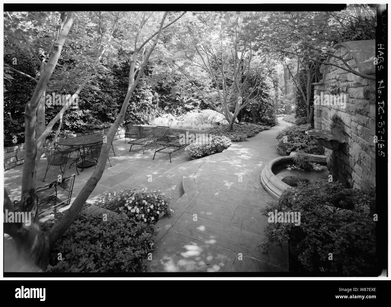 Washington Avenue Black and White Stock Photos & Images