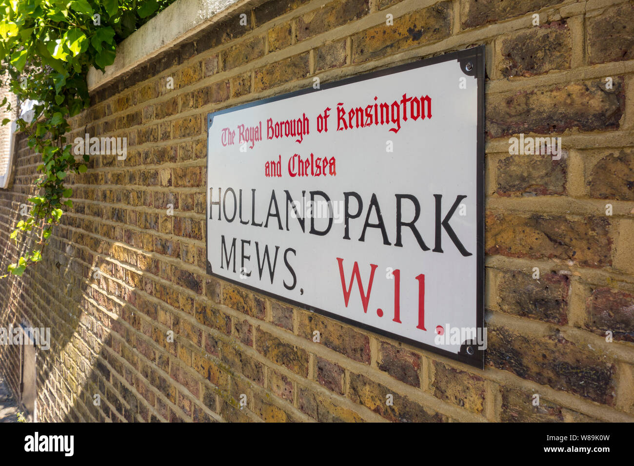 Holland Park Mews, Royal Borough of Kensington and Chelsea, London, UK Stock Photo