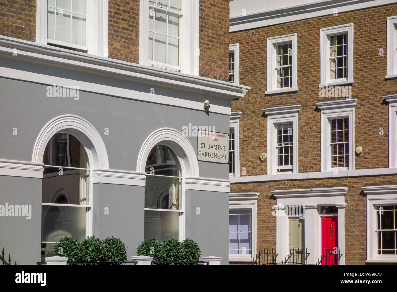 Terraced houses on St. James's Gardens, The Royal Borough of Kensington and Chelsea, Notting Hill, London, UK Stock Photo