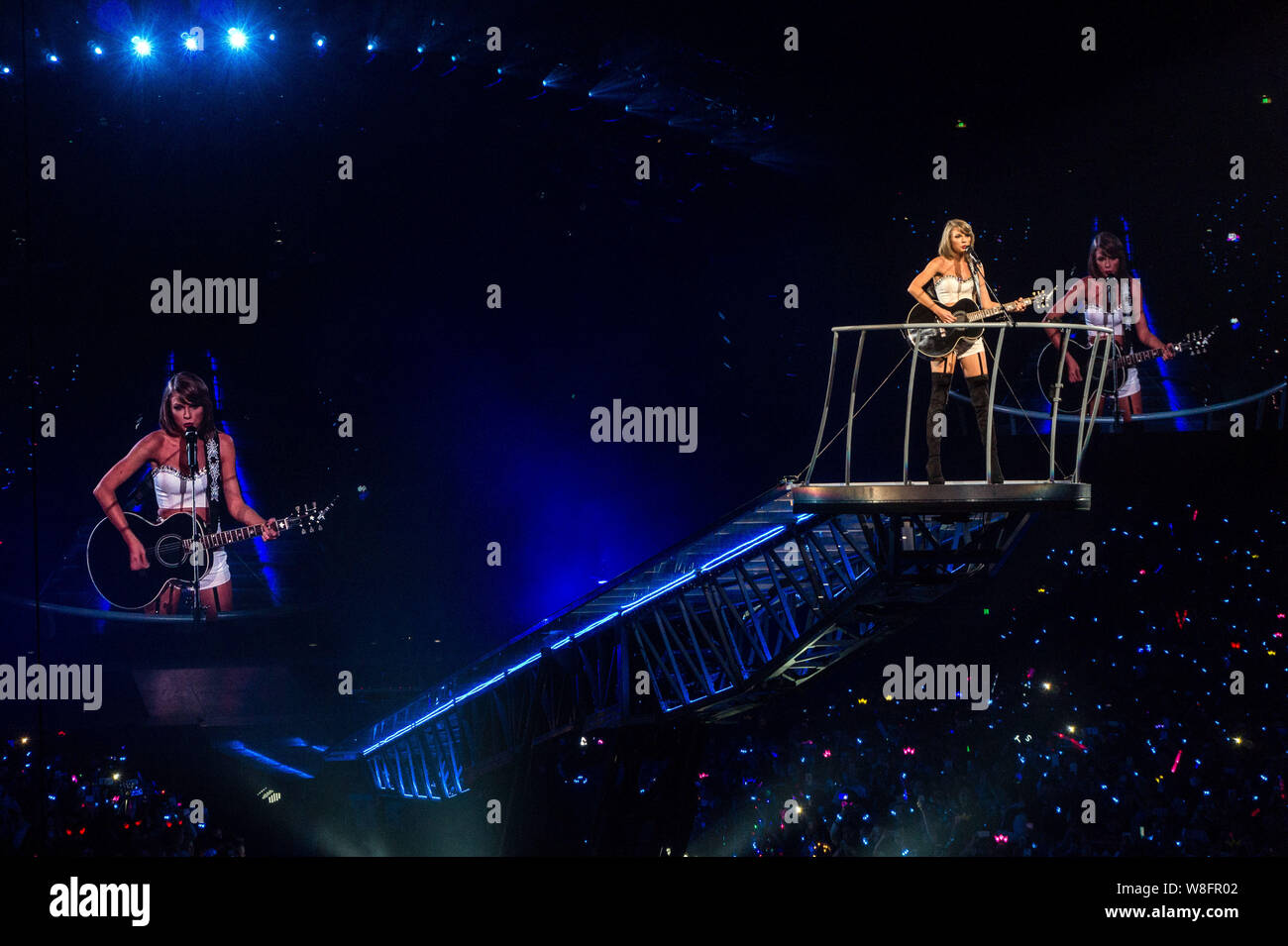 American Singer Taylor Swift Performs At A Concert During Her 1989 World Tour In Shanghai China 10 November 2015 Stock Photo Alamy