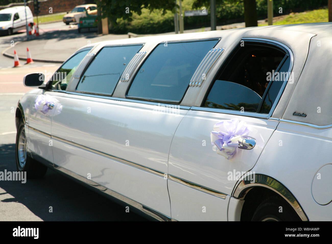 White Limousines Stock Photos & White Limousines Stock
