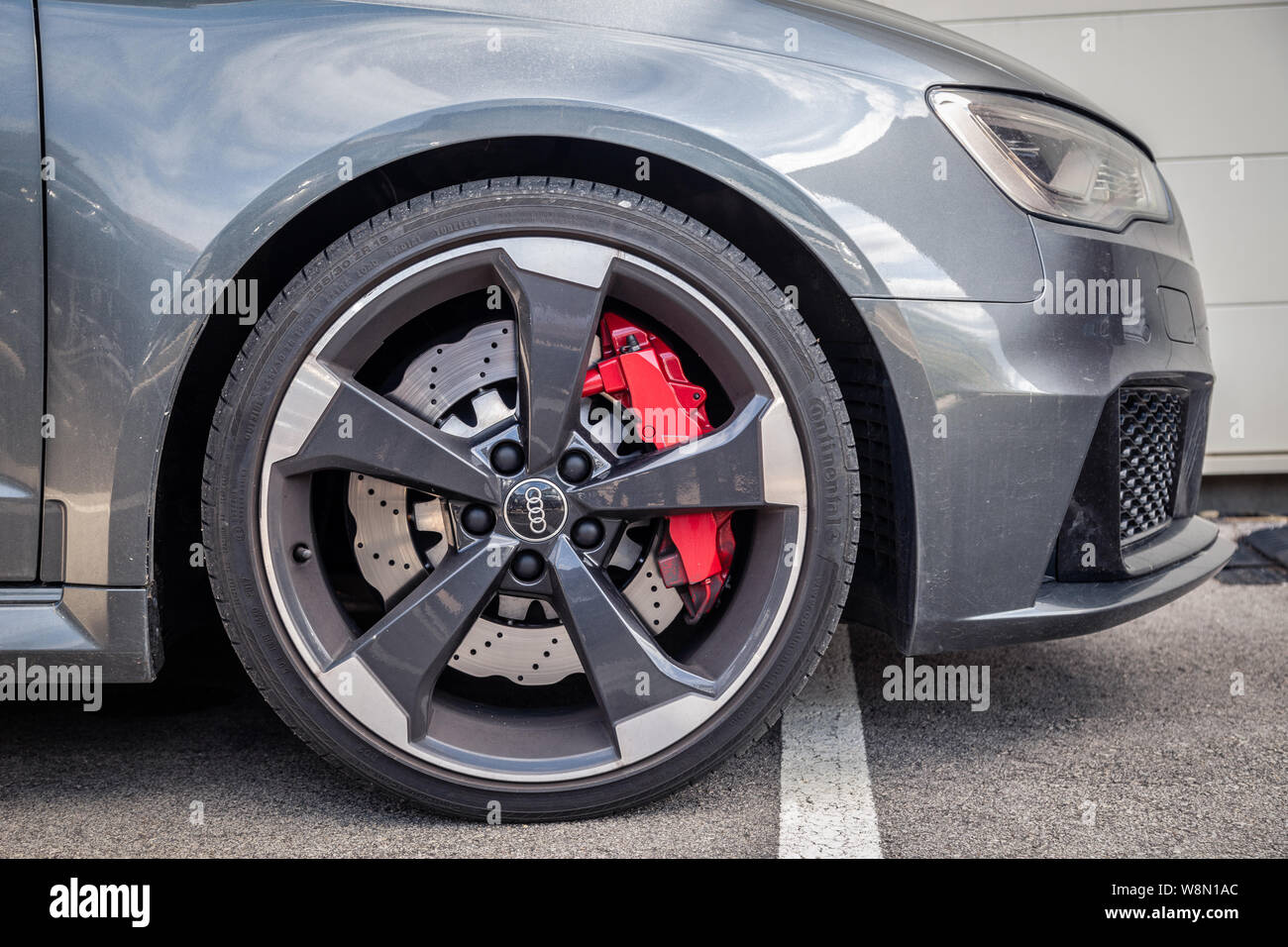 france lyon 2019 06 20 closeup wheel premium sports car dark gray hatchback audi rs 3 low profile tires brand logo on cast disk red caliper car pro stock photo alamy https www alamy com france lyon 2019 06 20 closeup wheel premium sports car dark gray hatchback audi rs 3 low profile tires brand logo on cast disk red caliper car pro image263534836 html
