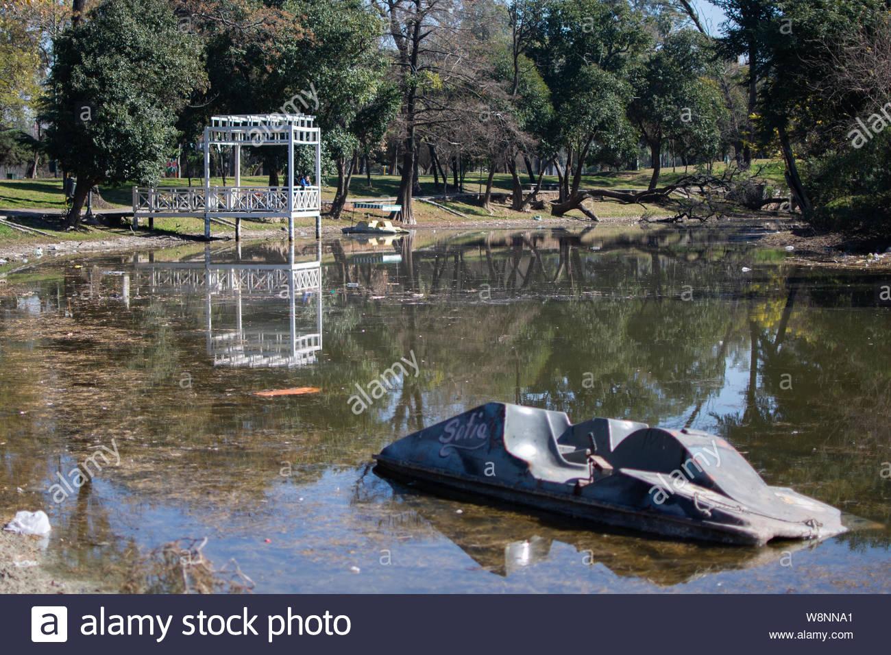 lake Sarmiento Park, lago Parque Sarmiento. Córdoba, Argentina Stock Photo