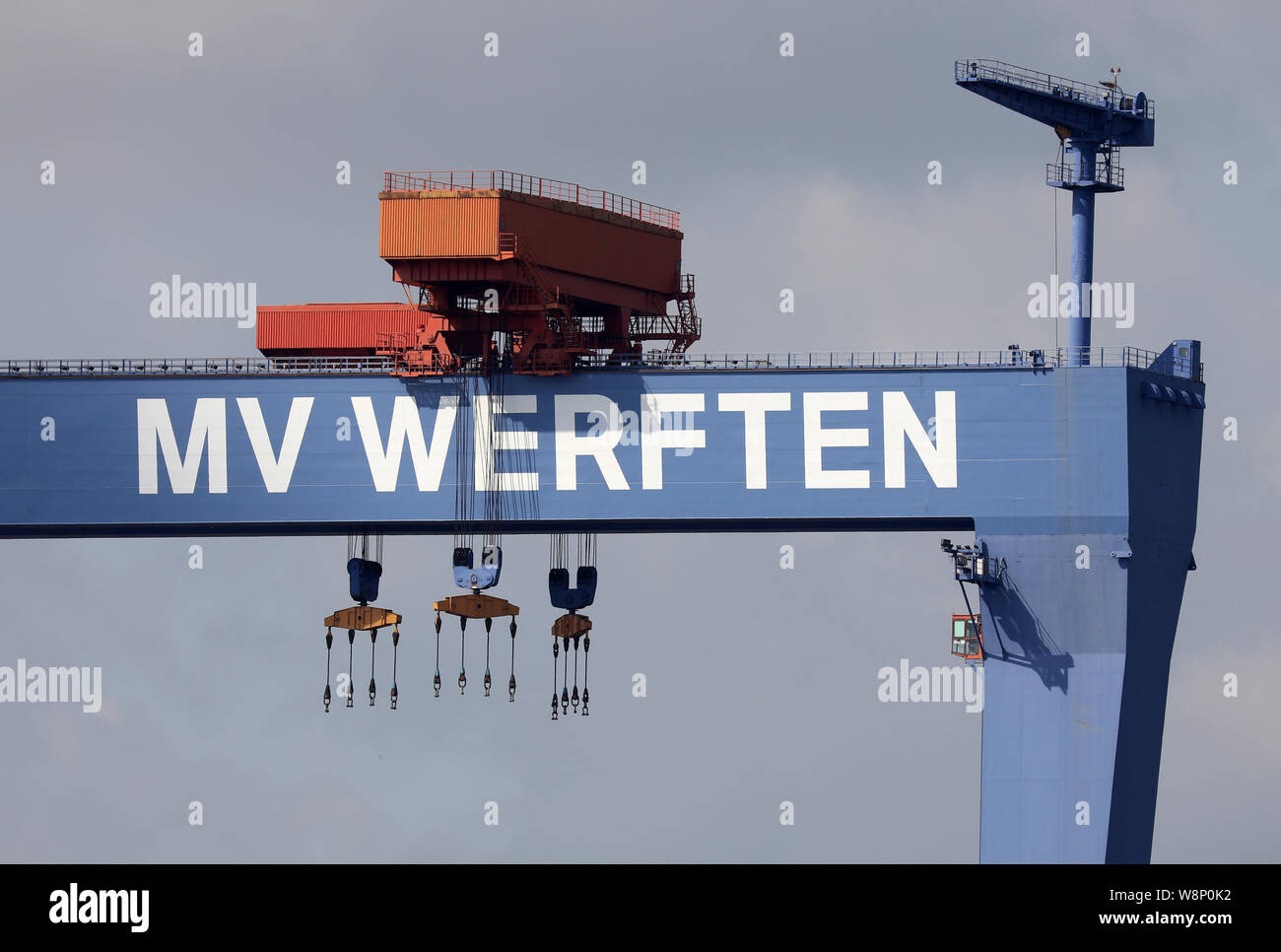 Gantry Crane Shipyard Shipbuilding Stock Photos & Gantry