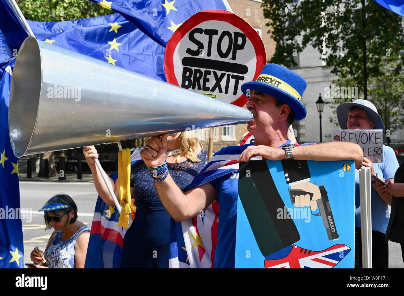 "Steve Bray "" Mr Shouty Man"" used his megaphone to state his opposition to Brexit. SODEM activists protested in favour of the UK remaining in the European Union. The Cabinet Office, Whitehall, London. UK Stock Photo"