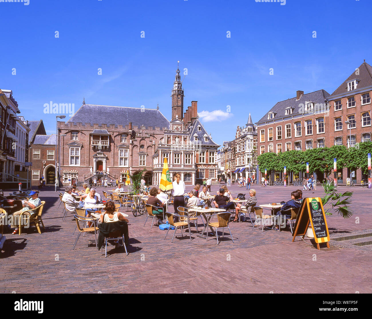 Outdoor cafe, Grote Markt, Haarlem, North Holland (Noord-Holland), Kingdom of the Netherlands Stock Photo