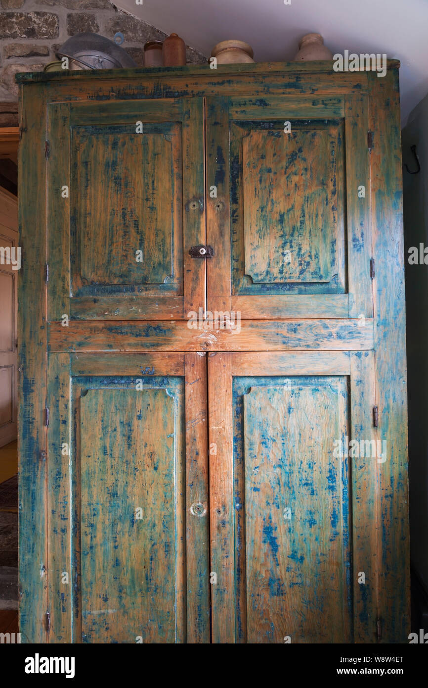 Distressed Furniture High Resolution Stock Photography And Images Alamy