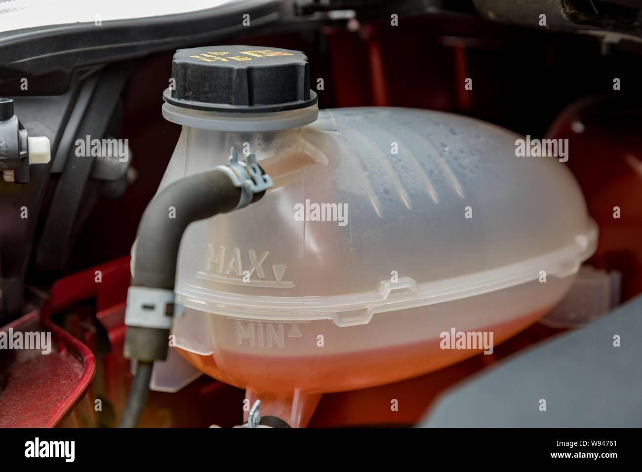 Antifreeze Stock Photos & Antifreeze Stock Images - Alamy