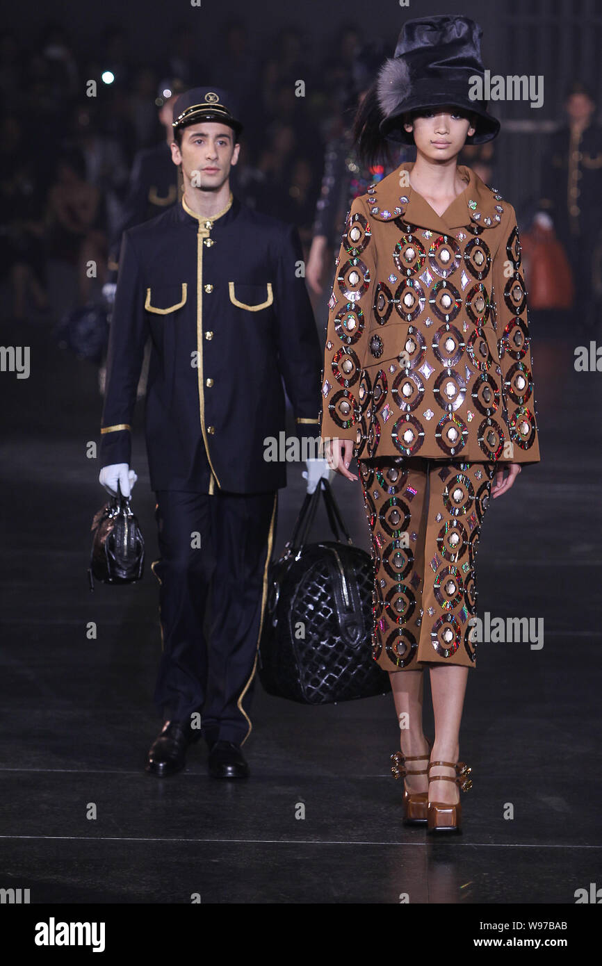 Models Display The New Collections On The Platform During The Louis Vuitton 2012 Autumn Winter Fashion Show At The North Bund In Shanghai China 19 J Stock Photo Alamy