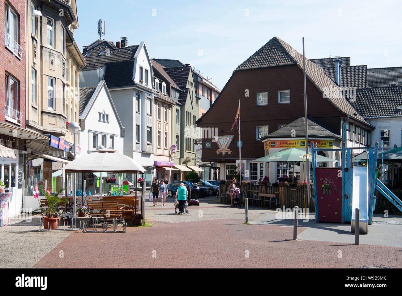 """Deutschland, Ruhrgebiet, Kreis Recklinghausen, Datteln, Fussgängerzone und Einkaufsstrasse """"Hohe Srasse"""" Stock Photo"""