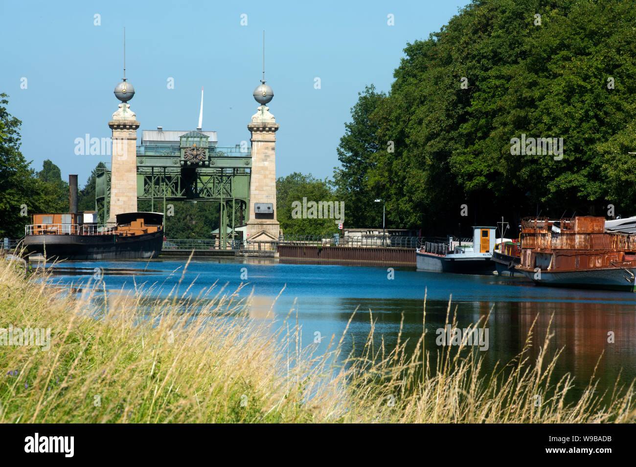 Deutschland, Ruhrgebiet, Kreis_Recklinghausen, Henrichenburg, Altes Schiffshebewerk (Ansicht von Osten), Museumsschiffe Stock Photo