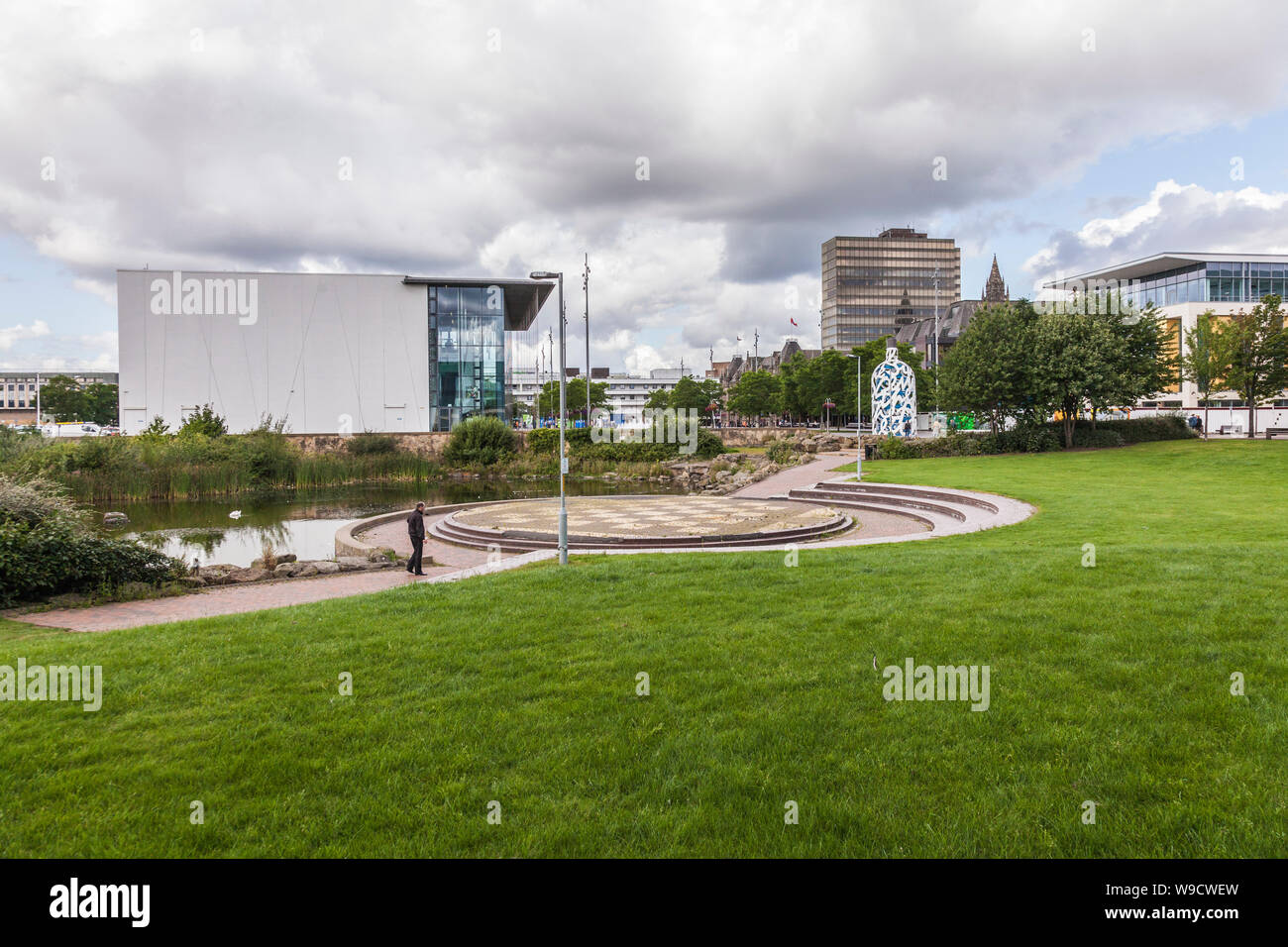The MIMA building and the Bottle of Notes statue in Middlesbrough,England,UK Stock Photo