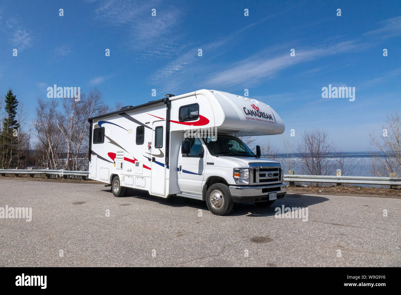 Actualizar Talentoso China  North American Self Drive Rental RV Motorhome Camper Van Class C From  Canadream Company On The Shore Of Lake Superior Northern Ontario Canada  Stock Photo - Alamy