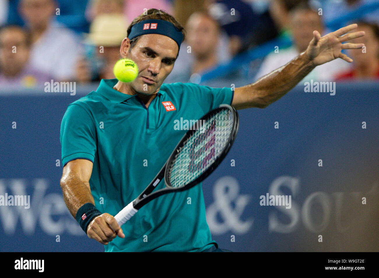 Mason, Ohio, USA. 13th Aug, 2019. Roger Federer, (SUI) hits a backhand shot during Tuesday's round of the Western and Southern Open at the Lindner Family Tennis Center, Mason, Oh. Credit: Scott Stuart/ZUMA Wire/Alamy Live News Stock Photo